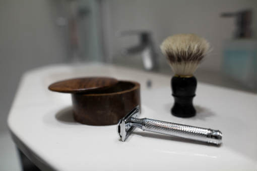 Which Online Shaving Retailer Saves You the Most?
