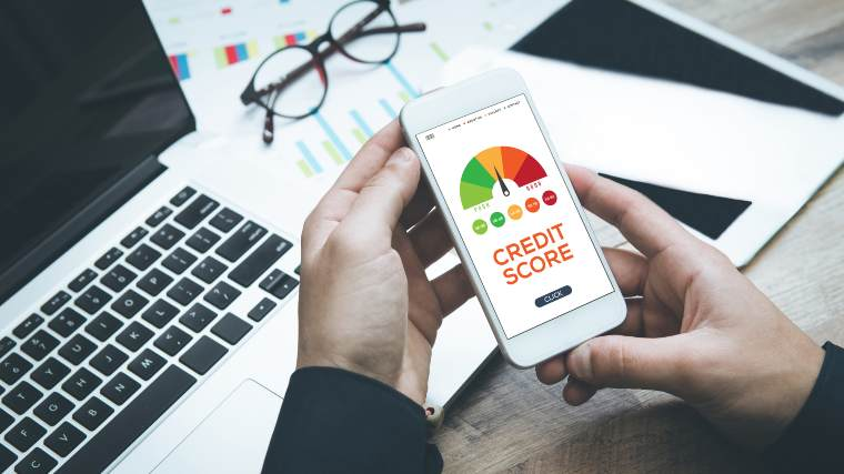 using a smartphone to check credit score